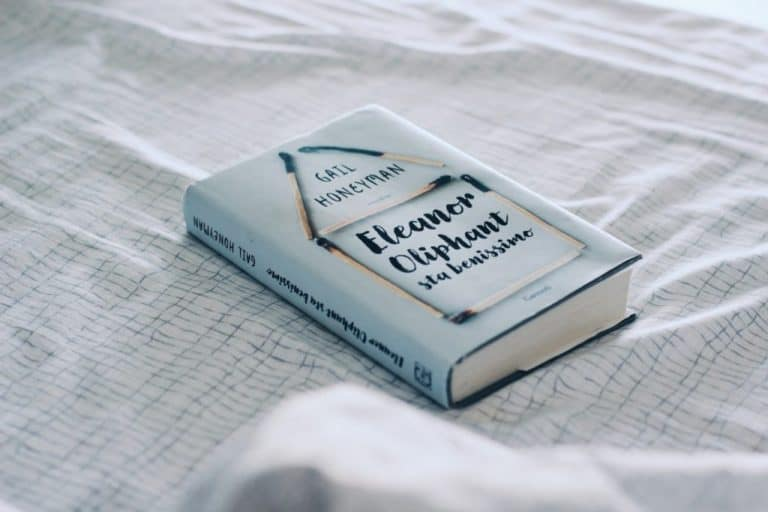 """Eleanor Oliphant in completely fine"""